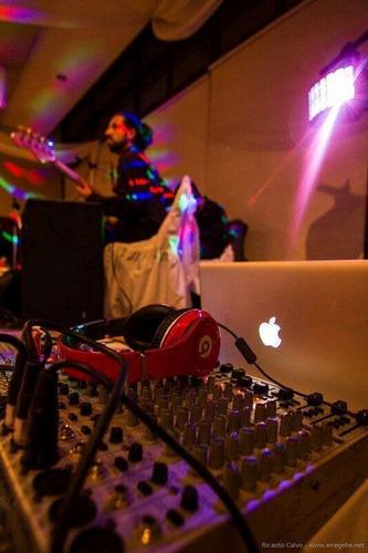discomovil,karaoke,alquiler sonido,animacion,luces cateri,dj