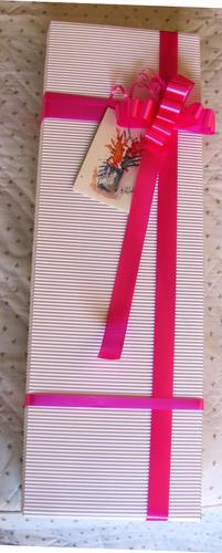 diselo con 24 rosas hermosa caja+ chocolates ferrero +regalo