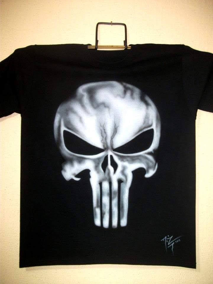 Diseño Punisher En Aerografia Sobre Playera Negra ff8463d7b993c