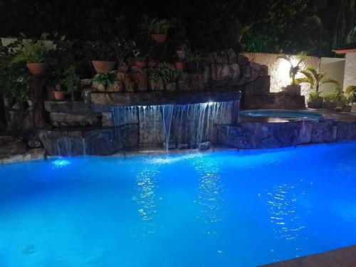 diseño y construcción de piscinas y áreas sociales