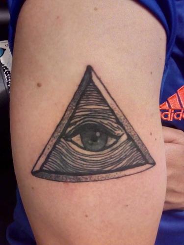 diseño y realización de tatuajes