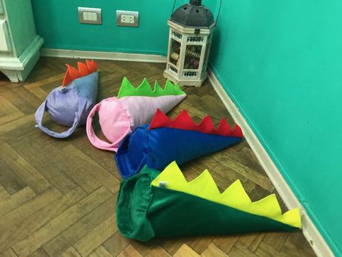 disfraz dinosaurio cola y pies en tela peluche