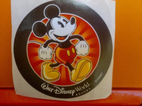 disney parks sticker de mickey!!!