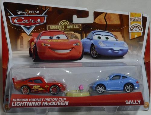 disney pixar cars 2 incluye a rayo y sally