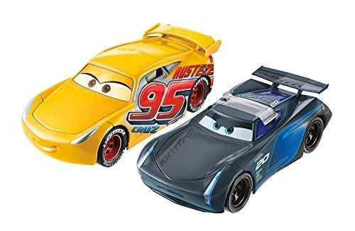 disney / pixar cars 3 voltea hacia el final rust-eze cruz ra