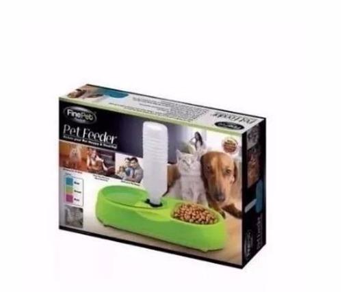 dispensador de agua y alimento para mascotas.