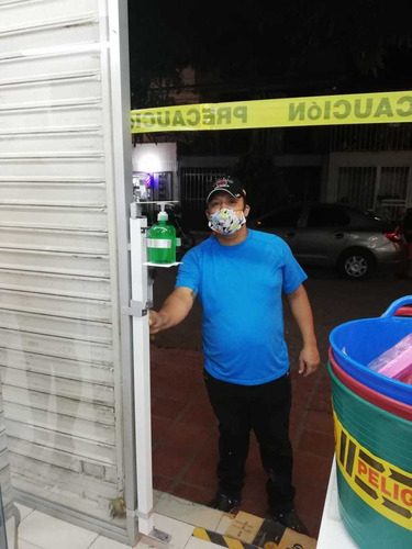 dispensador de gel antibacterial