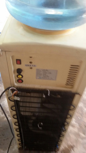 dispenser agua fría y caliente. bidón y red