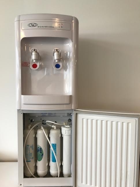 Dispenser De Agua Con Osmosis Inversa Incorporada