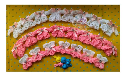 distintivos recuerdos baby shower chambritas tejidas