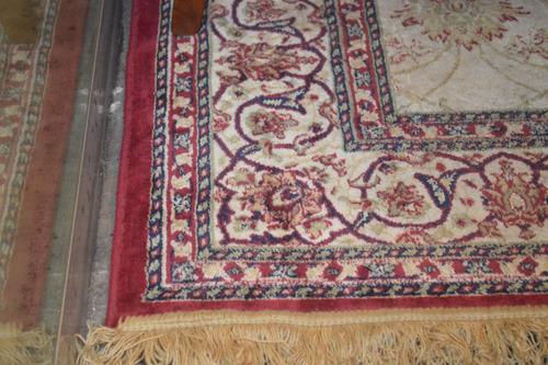 divina alfombra de seda impecable estado