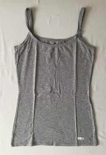 divina musculosa básica gris importada mujer. talle m