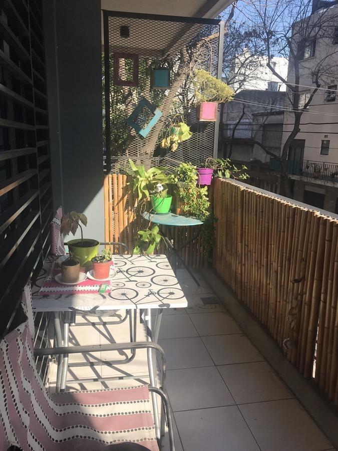 divino 2 ambientes con balcón al frente. rawson y díaz velez