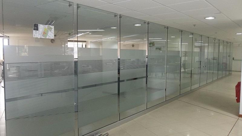 Divisiones para oficina en vidrio templado pretty girls for Oficinas y tabiques de cordoba