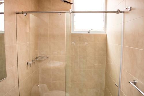 divisiones de baño en vidrio templado-fabricantes