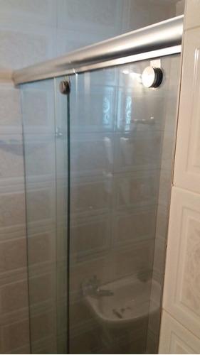divisiones para baño en vidrio templado, ventanas, puertas