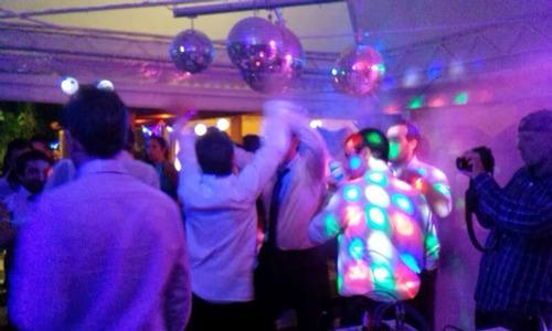 dj disc jockey profesional sonido iluminacion karaoke.