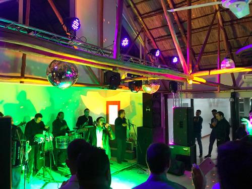 dj sonido iluminación pantallas espuma servicio