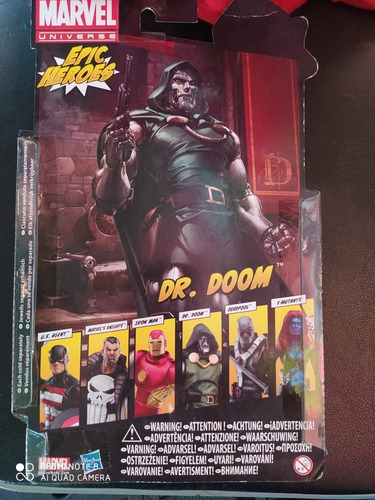 doctor doom future foundation  marvel legends exclusivo uk