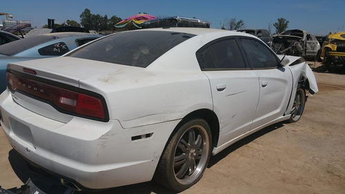dodge charger 2012. color blanco para partes
