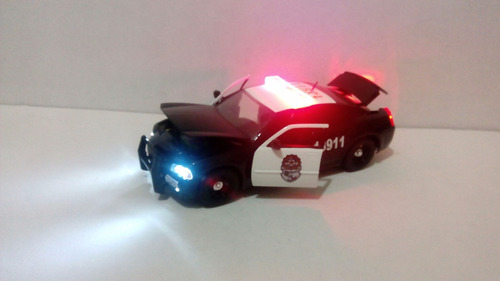 dodge charger patrulla federal de caminos con luz 1:24