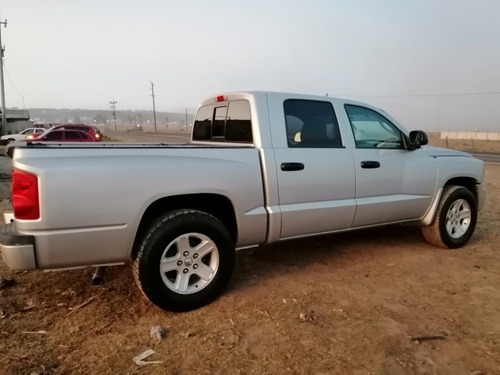 dodge dakota slt crew cab 4x2 at 2011