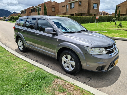 dodge journey pantalla grande 5p