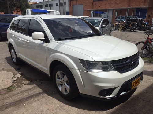 dodge journey se at  2.4cc 2016 7 psj
