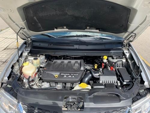 dodge journey se motor 2.4 2013 plateado 5 puertas