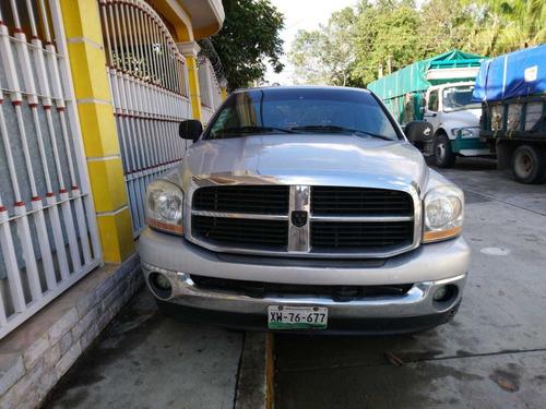 dodge ram 2500 motor hemi 5.7 modelo 2006 4 puertas 4x4