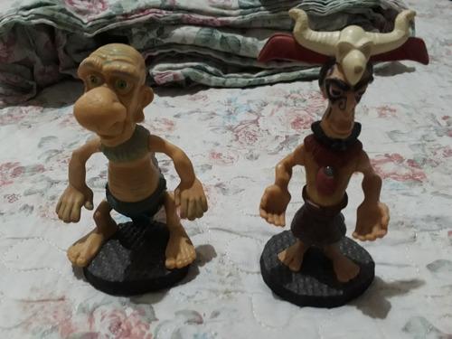 dois bonecos de coleção