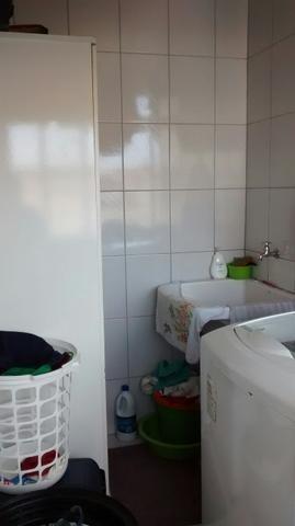 dois dormitórios no marapé, com uma vaga de garagem - ap0726