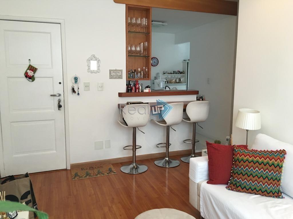 dois quartos reformado, quadra da praia!!. - 16670