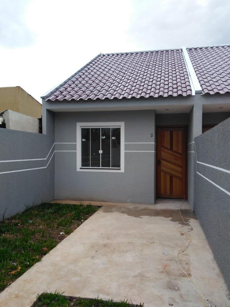 dois quartos, sala, cozinha, banheiro e area.