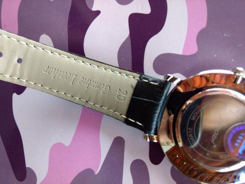 dois relógios sinobi de pulseira de couro