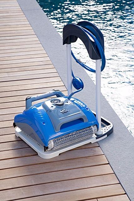 Dolphin supreme m200 robot limpia piscinas 33 for Robot limpia piscina