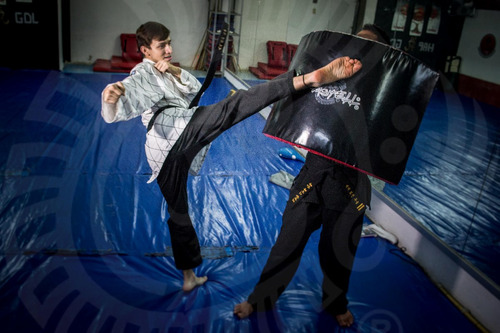 domi cilíndrico kickbox, jujitsu, mma, artes marciales