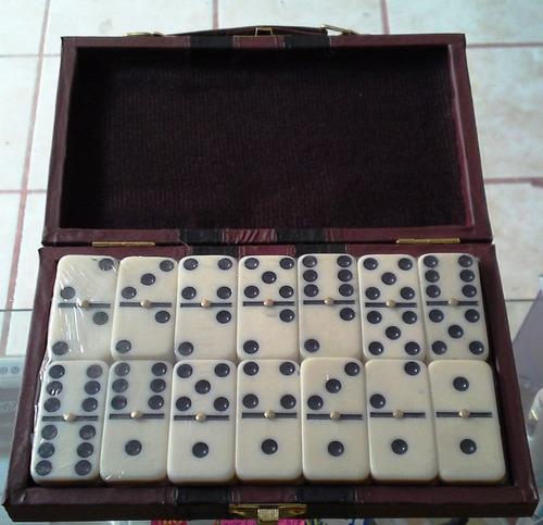 Domin 28 fichas de resina juego con estuche maletin for Fichas de domino
