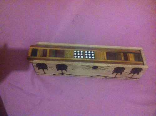 domino cubano hecho en madera