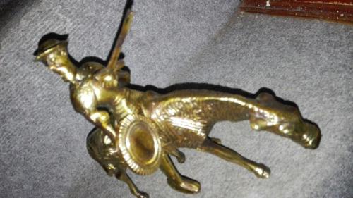 don quijote de bronce a caballo