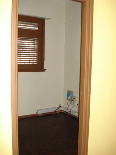 donato alvarez nº 706 piso 1º oficina comercial,con muebles