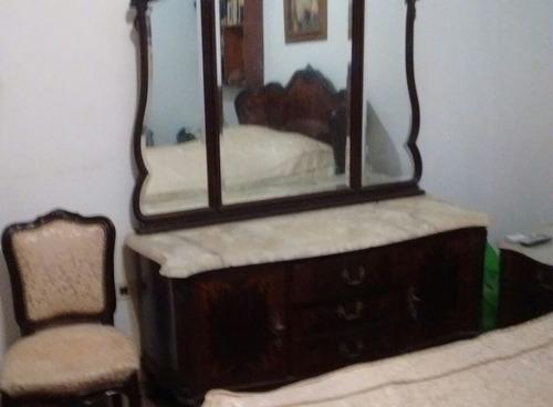 dormitorio antiguo. juego