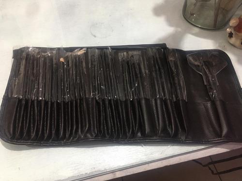 dos (2) juegos de 24 brochas mca kylie