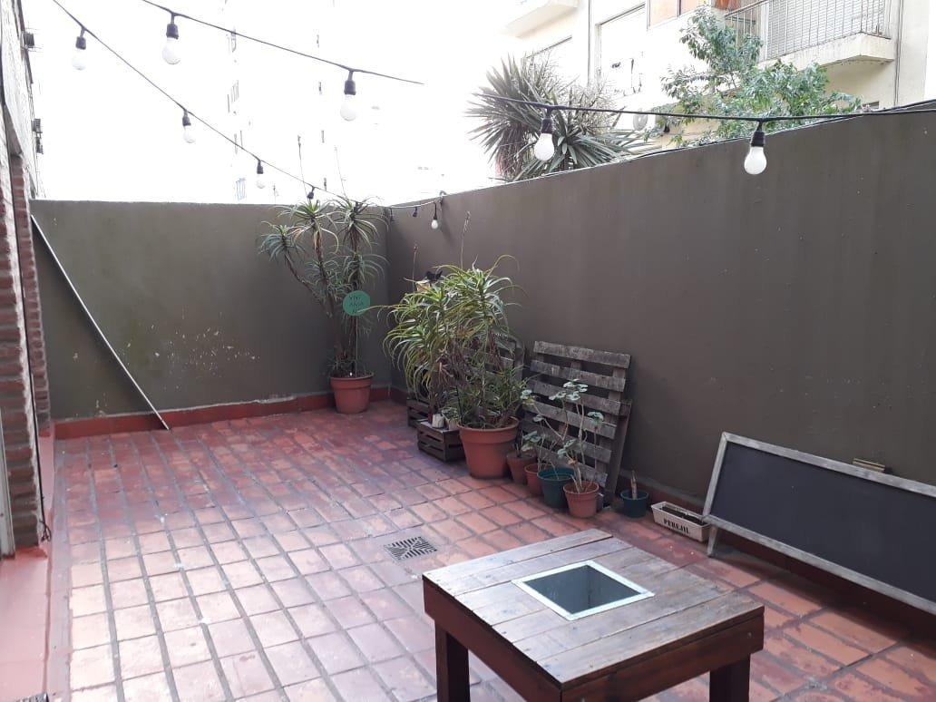 dos ambientes con patio