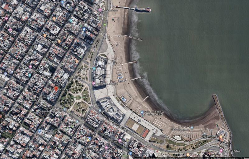 dos ambientes con vista panorámica al mar y pza colon