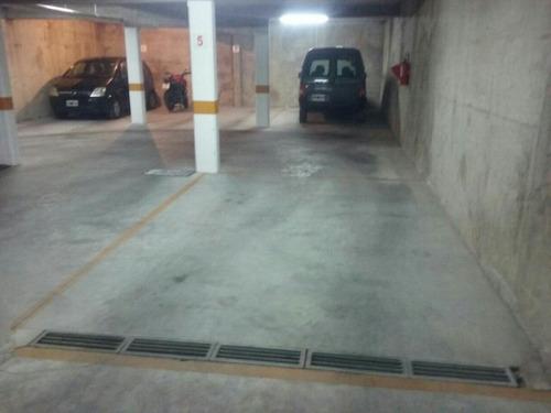 dos ambientes nuevo , con dos cocheras excelente zona