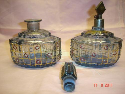 dos antiguas piezas perfume toilette  esmaltado (3595)