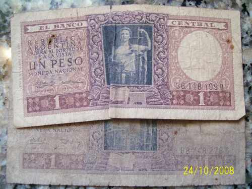 dos billetes de 1 peso mon.nacional