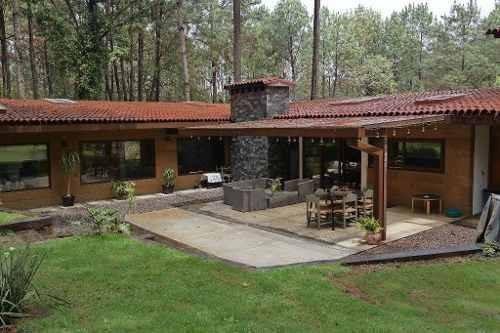 dos casas en entorno de bosques y montañas, a 6 minutos de la zona comercial de avándaro.