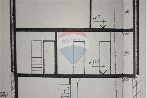 dos casas p/reciclar 5 cocheras jardín 380m2